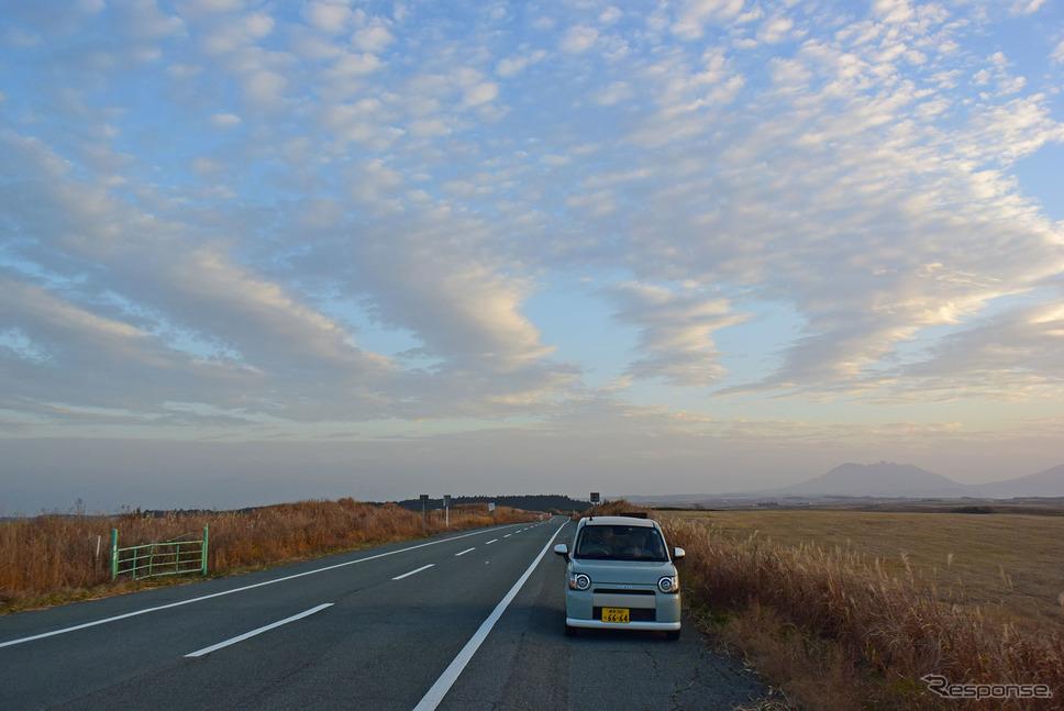 乗り味はあくまで低価格軽自動車。それでいてどこまで走っても本当に疲れないのが素晴らしいところだった。《撮影 井元康一郎》