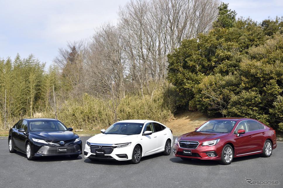 左から、トヨタ カムリ、ホンダ インサイト、スバル レガシィB4《撮影 雪岡直樹》