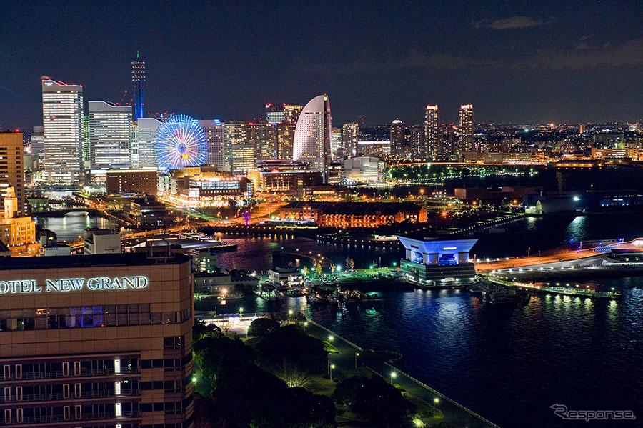横浜・みなとみらい地区の都心臨海部を周遊