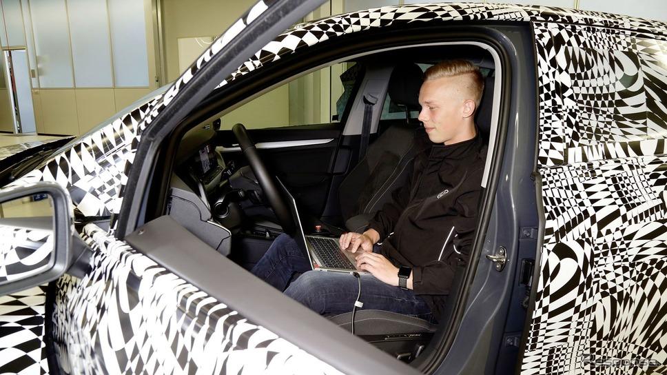 フォルクスワーゲン・ゴルフ 新型の開発プロトタイプ《photo by VW》