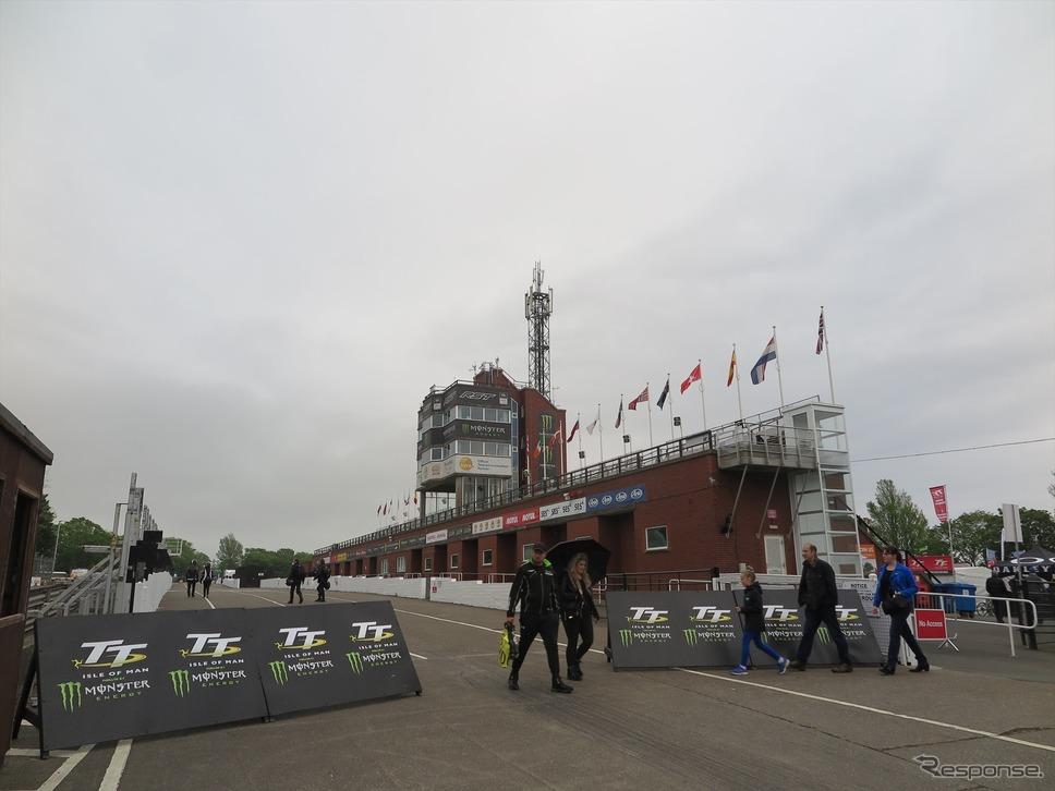 5月29日に続き30日も雨や霧でプラクティス中止に(マン島TTレース2019)《撮影 小林ゆき》