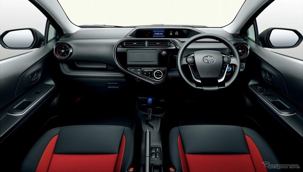トヨタ アクア S(内装色:レッド)《画像:トヨタ自動車》
