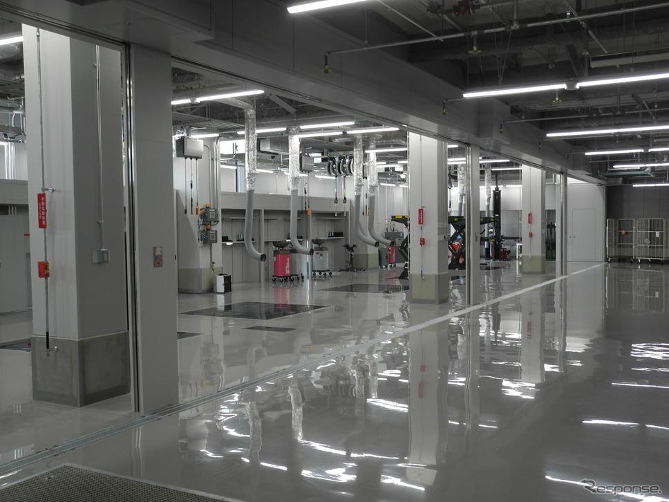 4階の整備工場《撮影 山田清志》