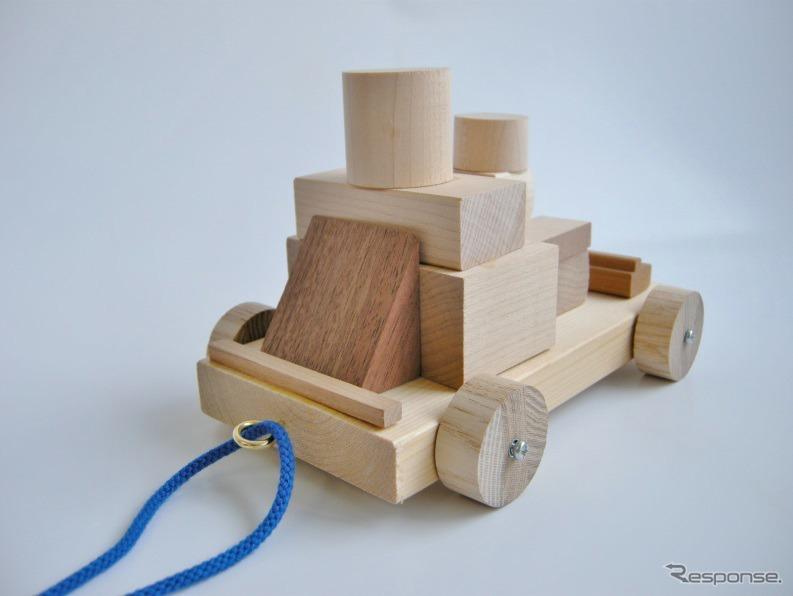 木のクルマを作って遊ぼう!《画像:日産自動車》