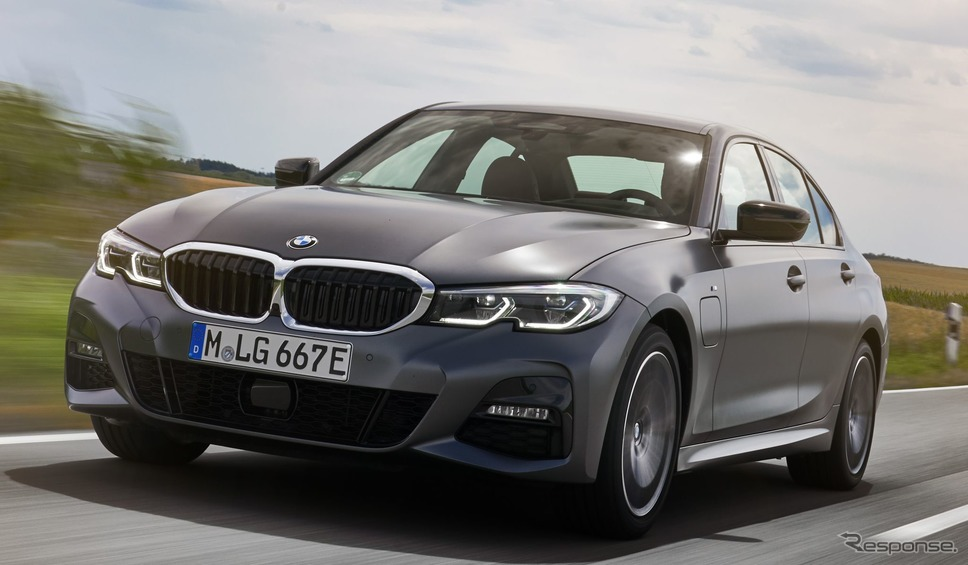 BMW 3シリーズ 新型のPHV、330eセダン《photo by BMW》