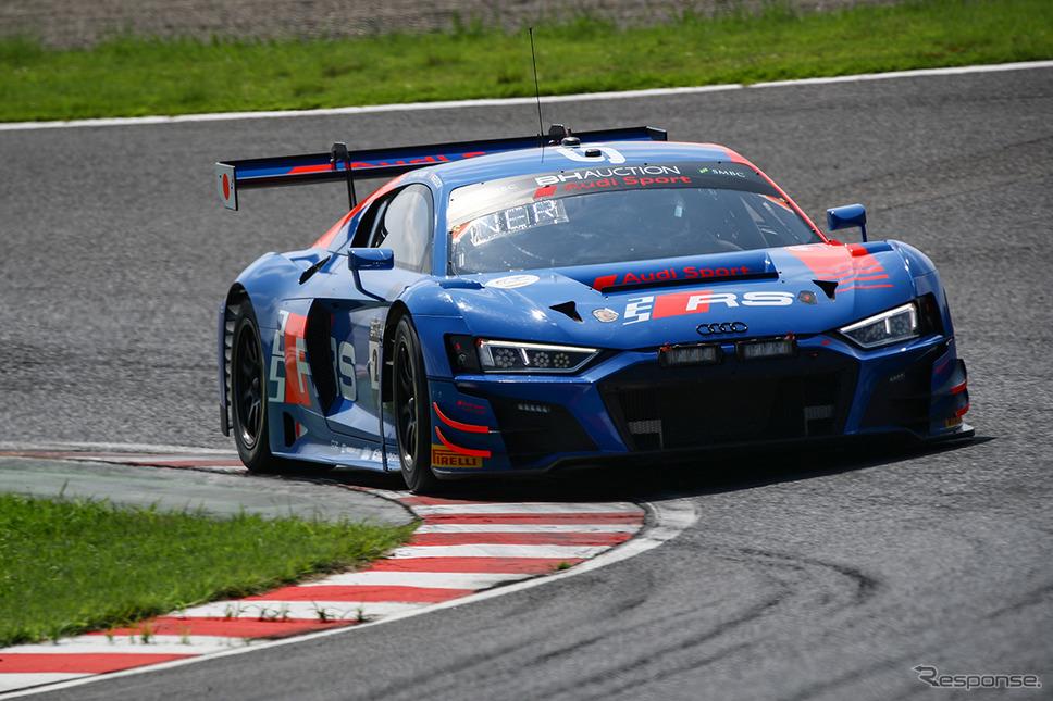 2番手の#25 Audi Sport Team WRT《Photo:Kazuhisa Masuda/撮影 益田和久》