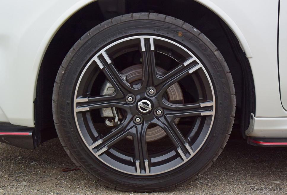 タイヤはブリヂストン「ポテンザRE-11」。モデルとしては古いが鬼グリップタイヤの一種だ。《撮影 井元康一郎》