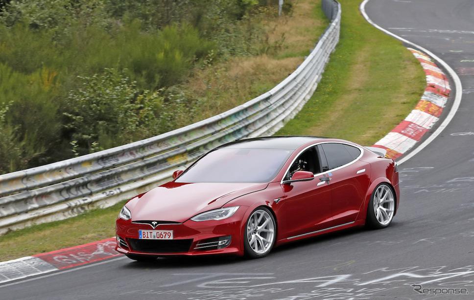EV最速をねらうテスラ モデルS の試作車(スクープ写真)《APOLLO NEWS SERVICE》