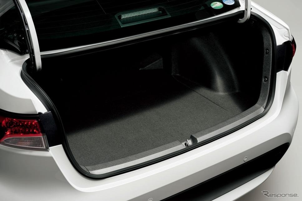 トヨタ・カローラ、ラゲージスペース《画像:トヨタ自動車》