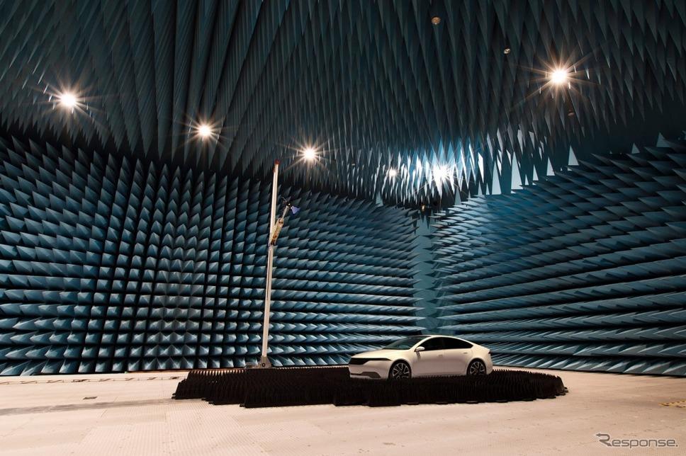 大型電波暗室《画像:パナソニック》