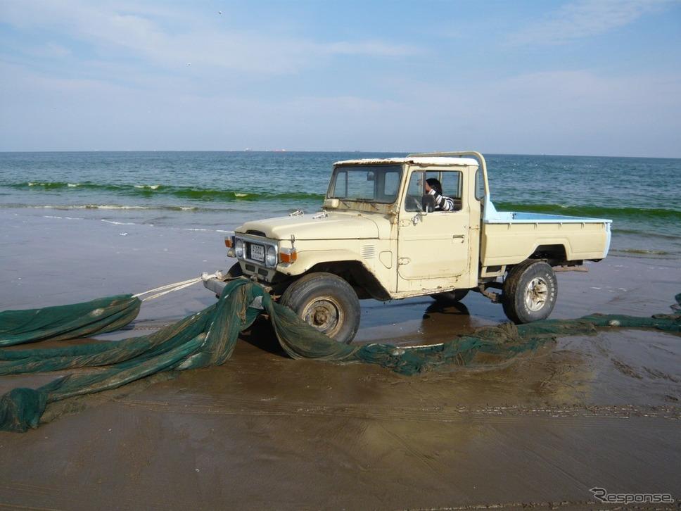 50年以上経っても現役の40系(UAEの漁村)《画像:トヨタ自動車》