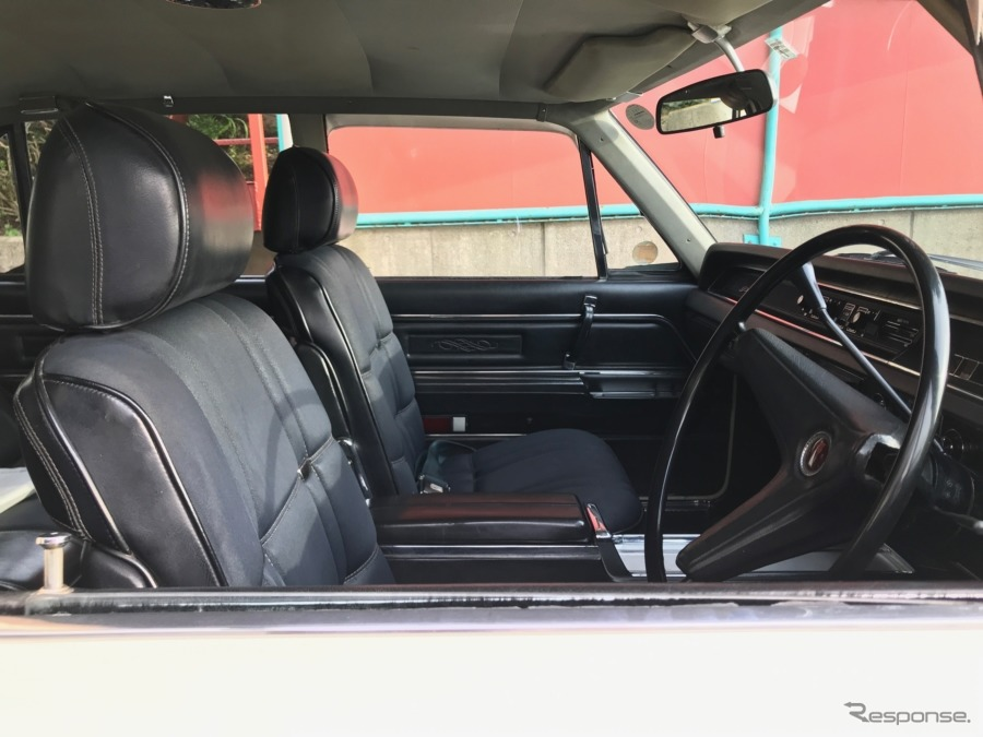 派手さはないが、丁寧でたっぷりと余裕を持った作りの車内。《撮影 中込健太郎》