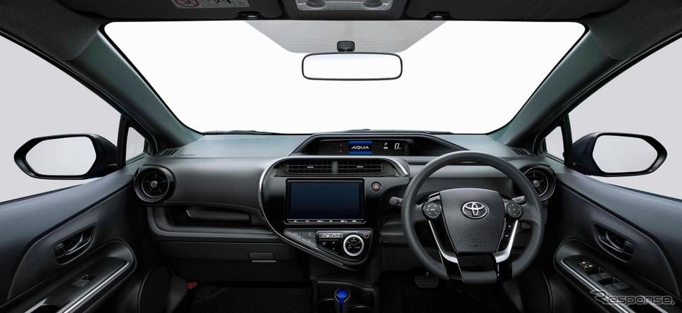 アクア 特別仕様車 S グランパー ブラックインテリア《画像:トヨタ自動車》