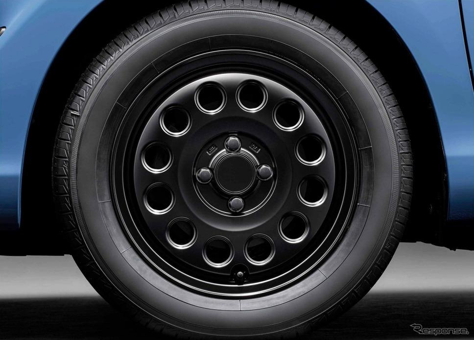 アクア 特別仕様車 S グランパー GLAMPER meets TRD 15インチアルミホイールキット《画像:トヨタ自動車》
