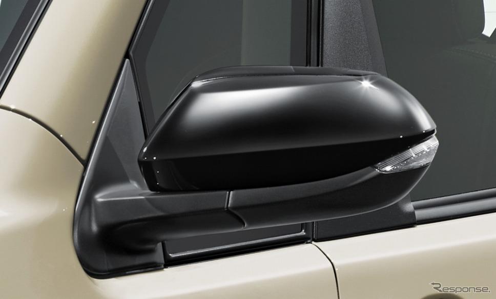 ポルテ 特別仕様車 G グランパー ドアミラーカバー《画像:トヨタ自動車》
