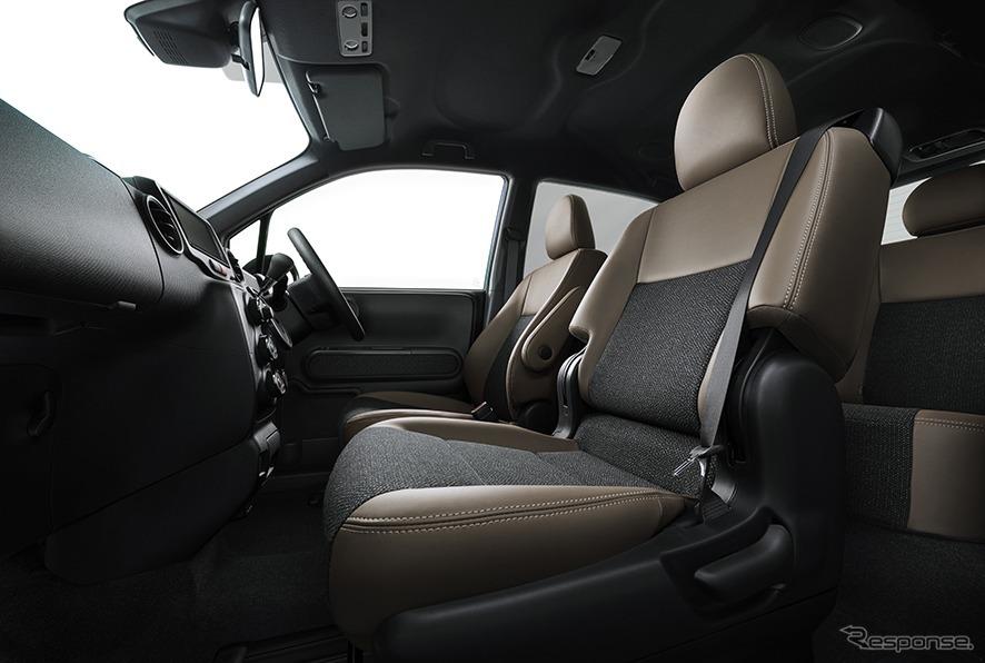 スペイド 特別仕様車 F グランパー 内装《画像:トヨタ自動車》