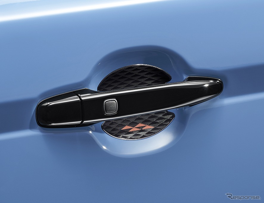 スペイド 特別仕様車 F グランパー GLAMPER meets TRD ドアハンドルプロテクター《画像:トヨタ自動車》