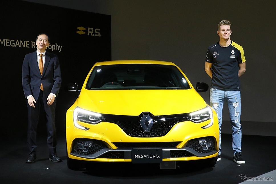 ルノー・ジャポン 代表取締役社長 大極 司氏(左)とルノーF1ドライバー ニコ・ヒュルケンベルグ氏(右)《撮影 平川亮》