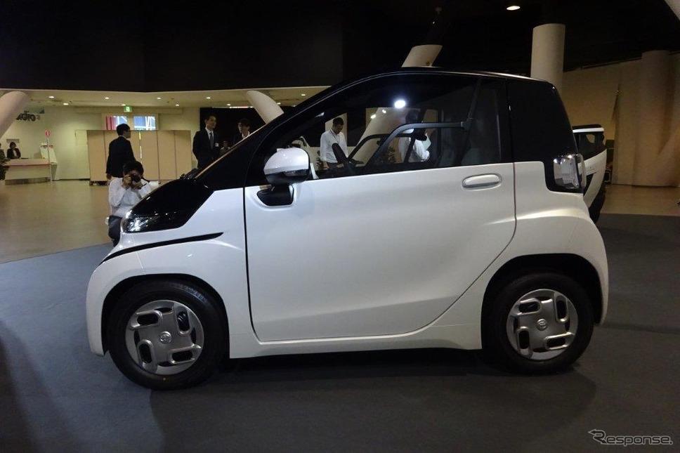 トヨタ 超小型EV《撮影 池原照雄》