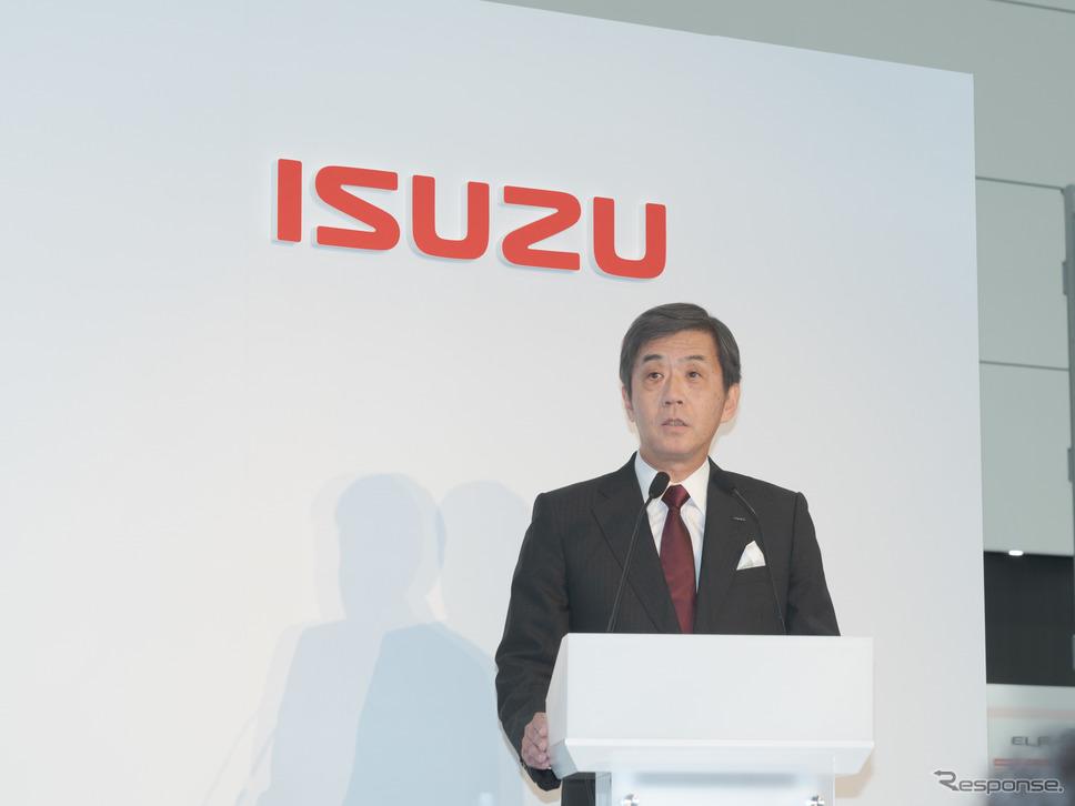 代表取締役社長・片山正則氏によって、解決していくべき5つの課題について語られた。《撮影 関口敬文》