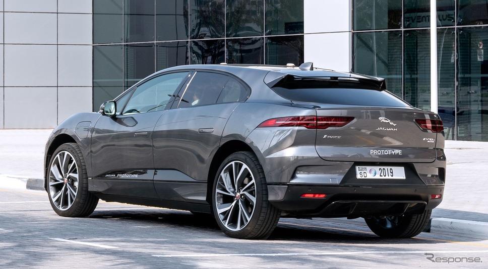 ジャガー I-PACE ベースの最新自動運転プロトタイプ車《photo by Jaguar Land Rover》