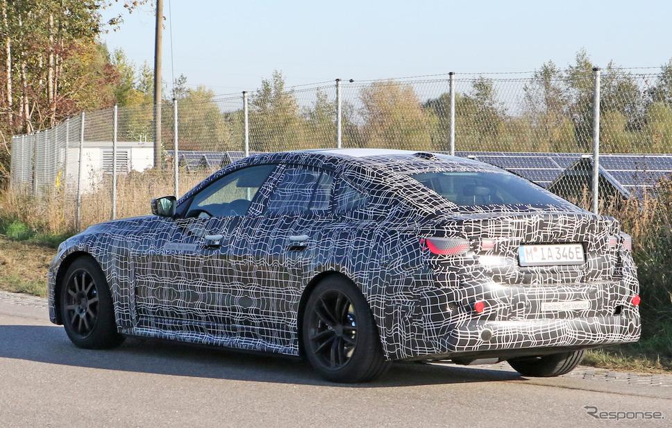 BMW i4 開発車両 スクープ写真《APOLLO NEWS SERVICE》