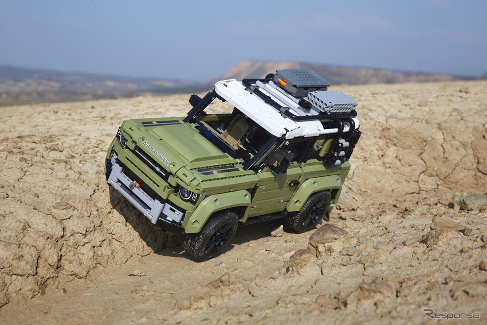 LEGO Technic Land Rover Defender《photo by Land Rover》