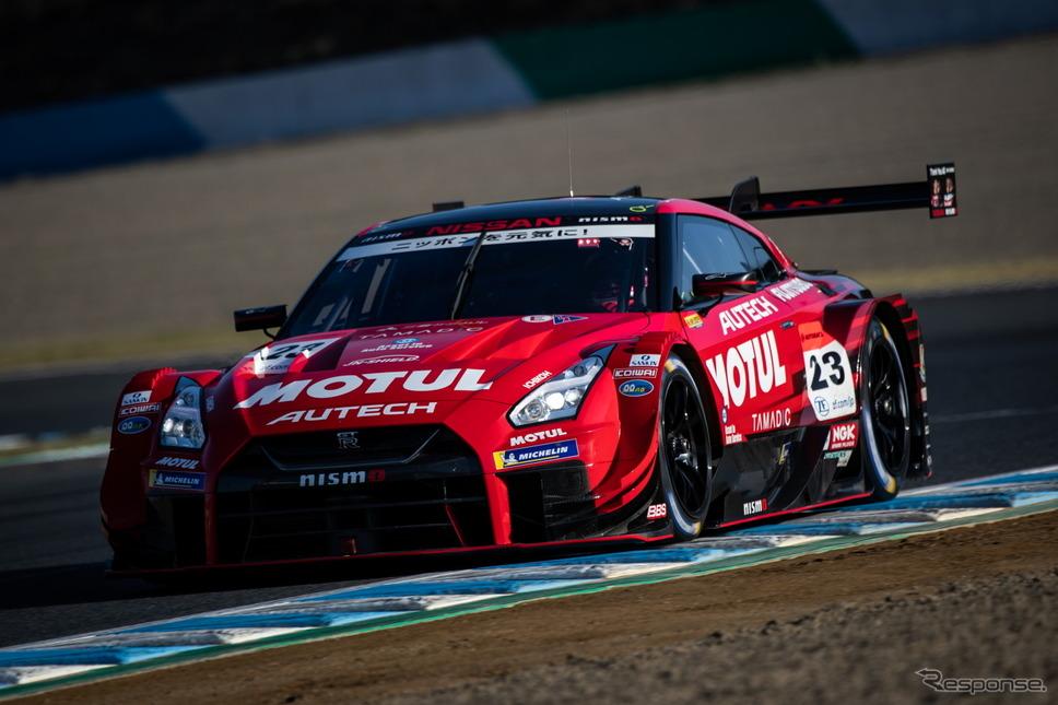 GT500クラス予選3位の#23 GT-R(タイトル戦線からは脱落)。《撮影 益田和久》