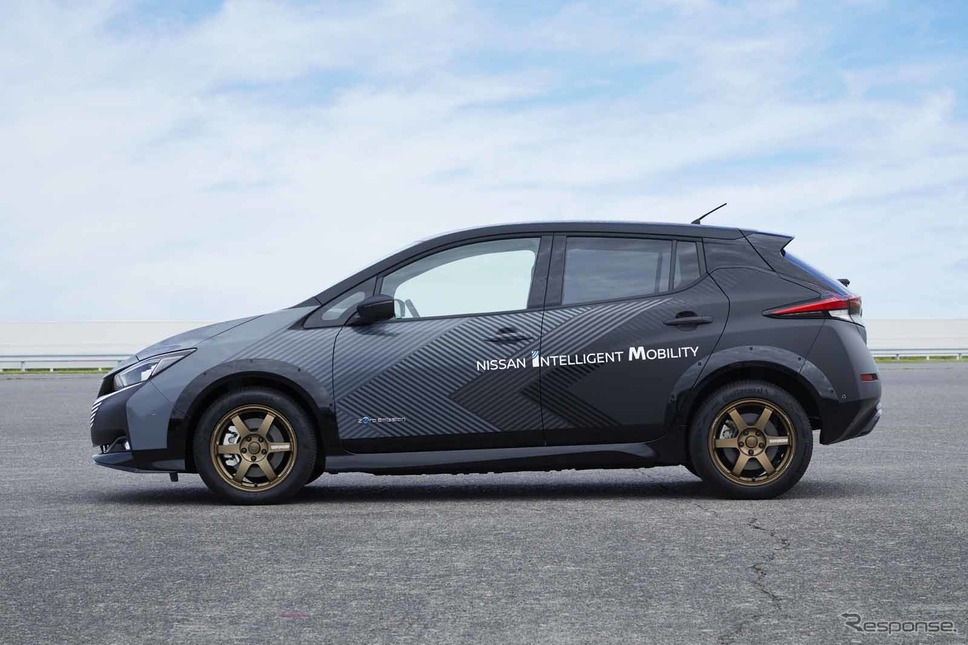 日産の新型電動SUV『アリア』に搭載される4輪制御技術のプロトタイプ車両撮影 日産自動車