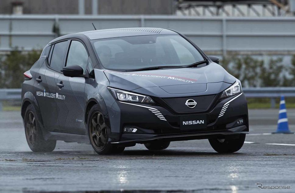 日産の新型電動SUV『アリア』に搭載される4輪制御技術のプロトタイプ車両《写真 日産自動車》
