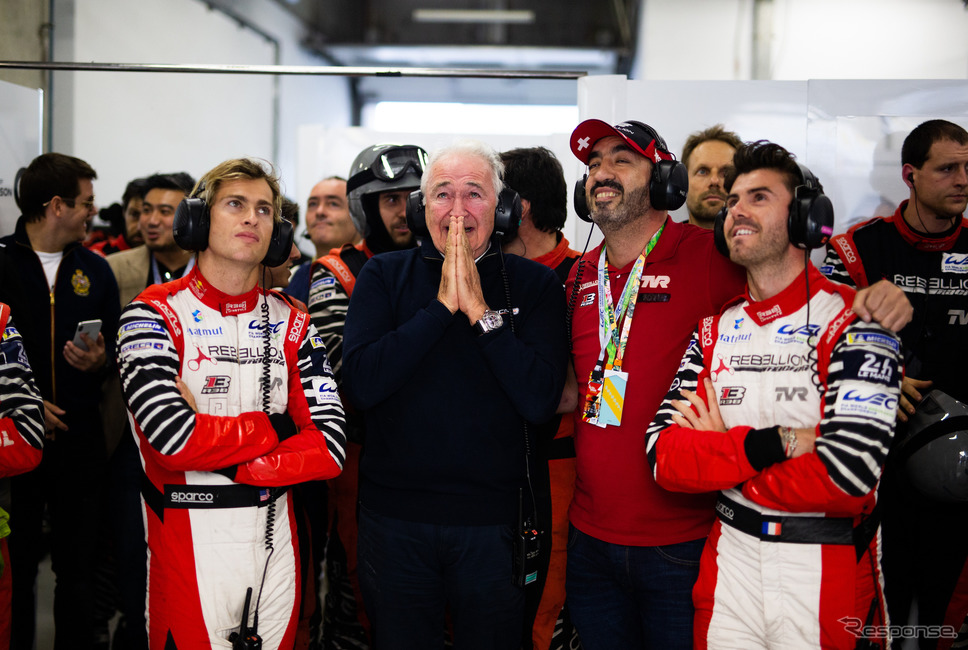勝利を祈るレベリオン陣営。《写真提供 FIA-WEC》