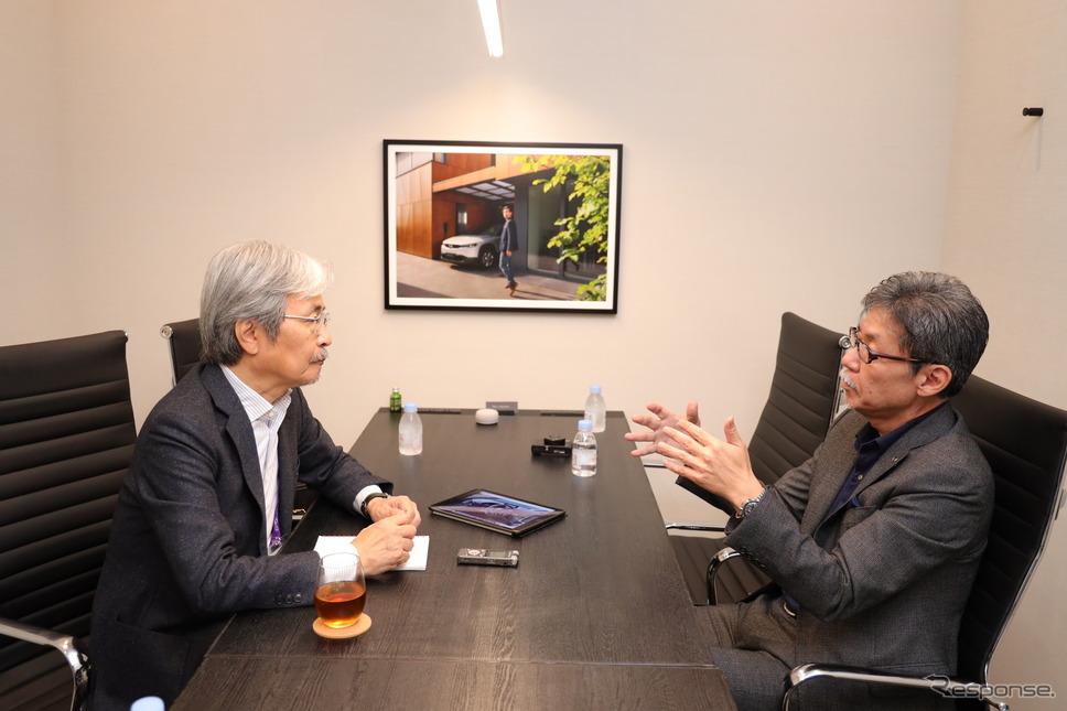 マツダ 前田育男 常務取締役(デザイン&ブランドスタイル担当)と千葉匠氏(右から)