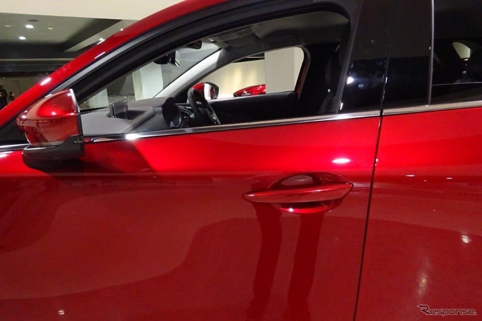 マツダ CX-30のドア間は3.3mmとより細く《撮影 池原照雄》