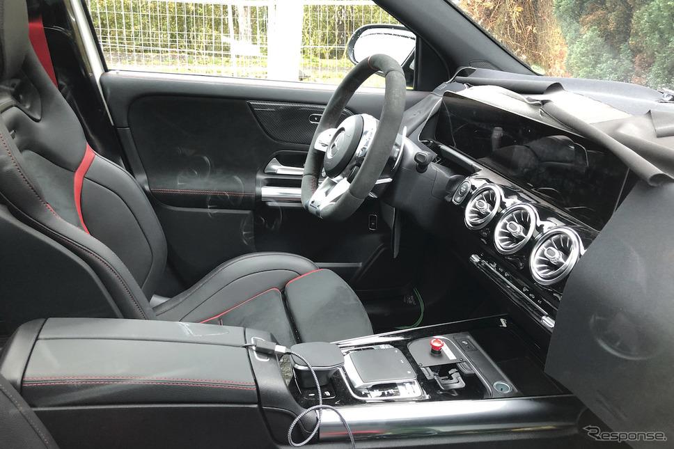 メルセデスAMG GLA45 開発車両(スクープ写真)《APOLLO NEWS SERVICE》