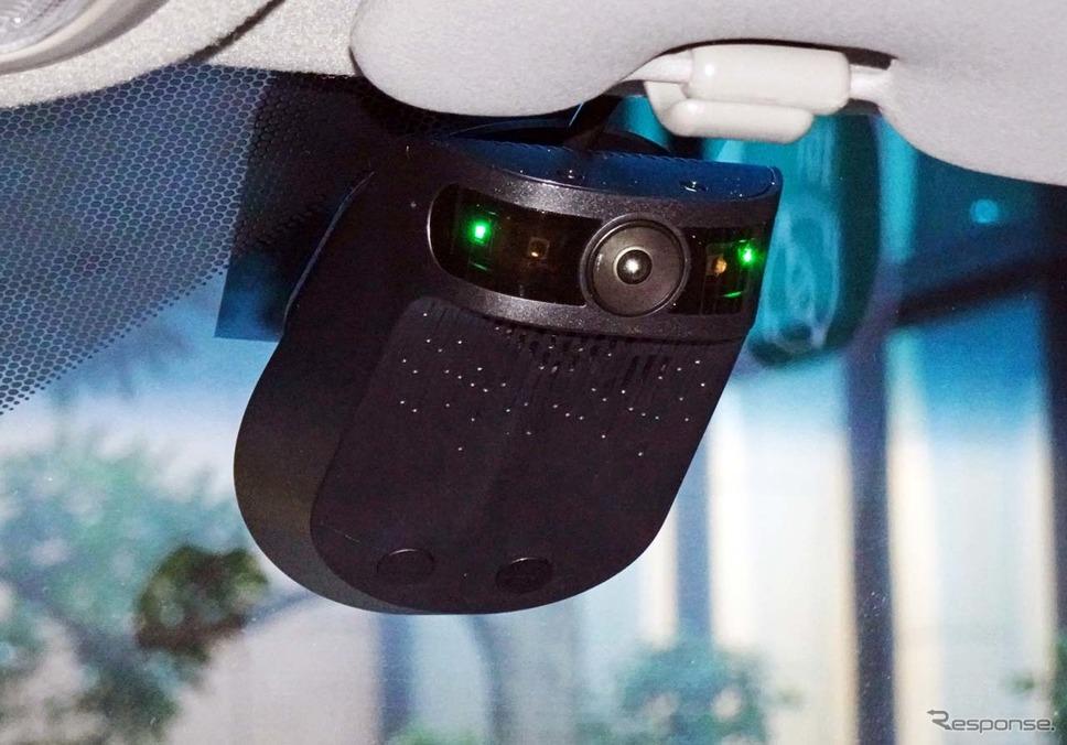 AI搭載型通信ドライブレコーダー「ナウト」。車内側