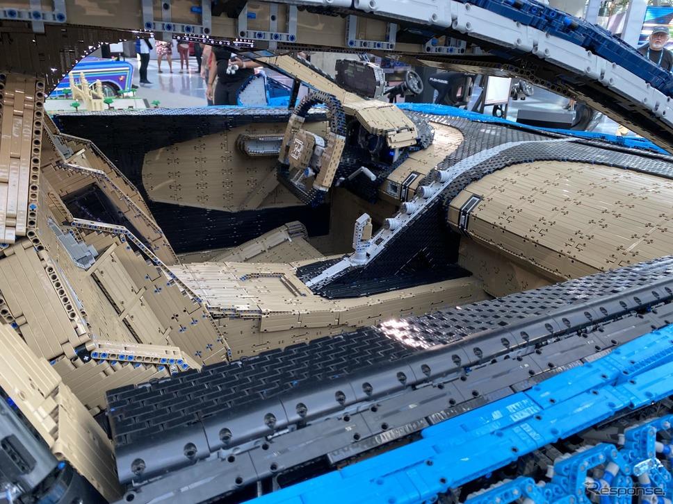 レゴが製作したブガッティ・シロンの実物大EVモデル(ロサンゼルスモーターショー2019)《photo by LEGO》