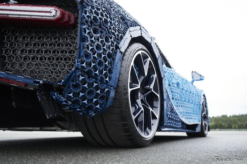 レゴが製作したブガッティ・シロンの実物大EVモデル《photo by LEGO》