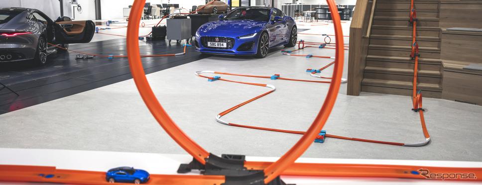 ジャガー Fタイプ 改良新型の開発現場を駆け抜けるHot Wheelsのミニカー《photo by Jaguar》