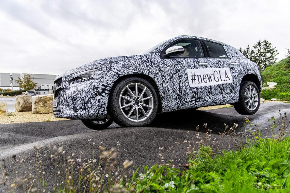 メルセデスベンツ GLA 新型の開発プロトタイプ《photo by Mercedes-Benz》