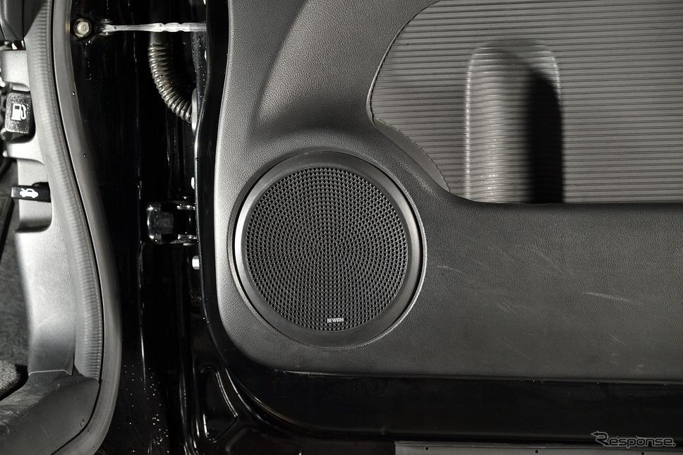 プリウスを快適にするハイクオリティトレードインスピーカー登場《PHOTO:雪岡直樹》