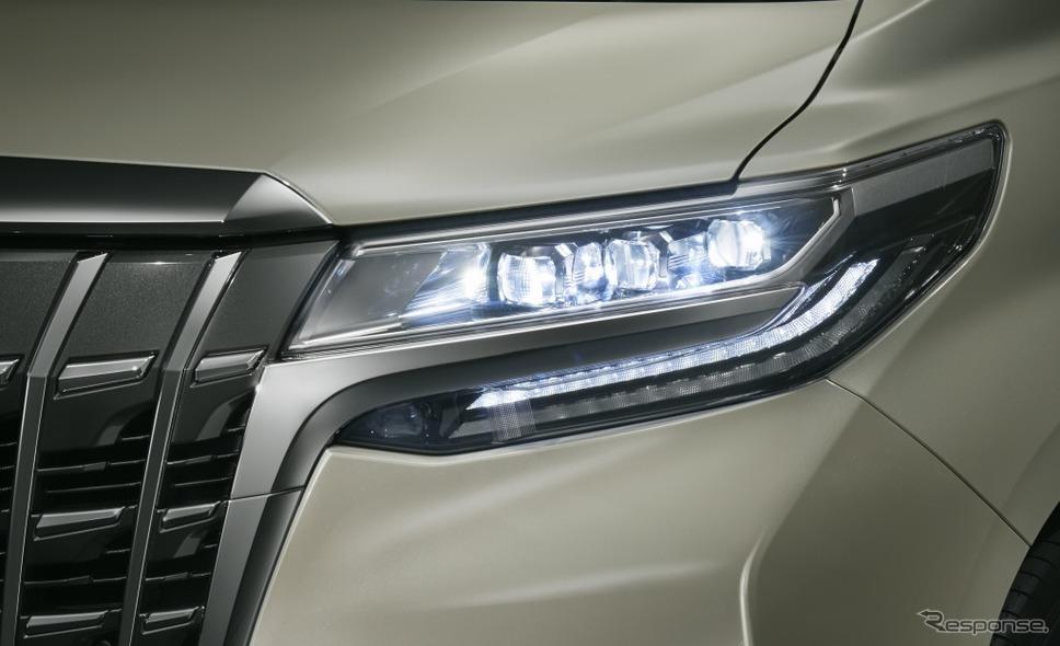 トヨタ アルファード 3眼LEDヘッドランプ《画像:トヨタ自動車》