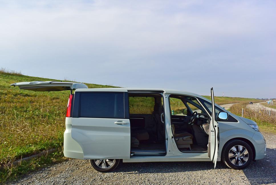 ホンダ ステップワゴン G・EX Honda SENSINGの側面。各ドアの開口面積、ドア開閉角の大きさは同モデルの美点。《撮影 井元康一郎》