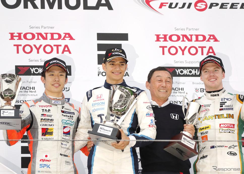 パロウは2019年のSF富士戦で初優勝を飾った(左から2人目がパロウ)。《写真提供 Honda》