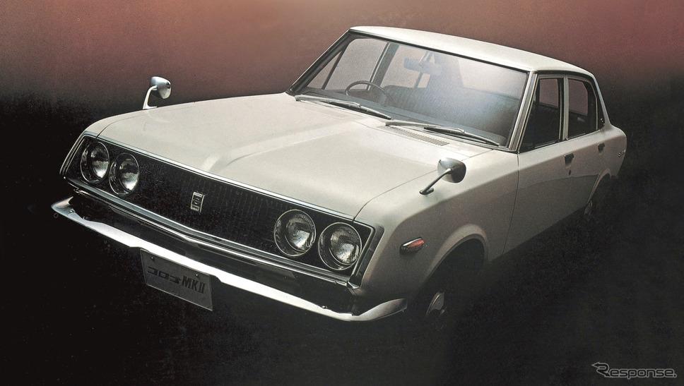 初代:コロナマークII(1968年)《写真 トヨタ自動車》