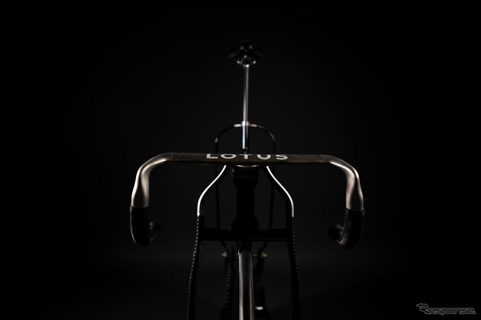 ロータスが共同開発したトラックレース用自転車《photo by Lotus Engineering》