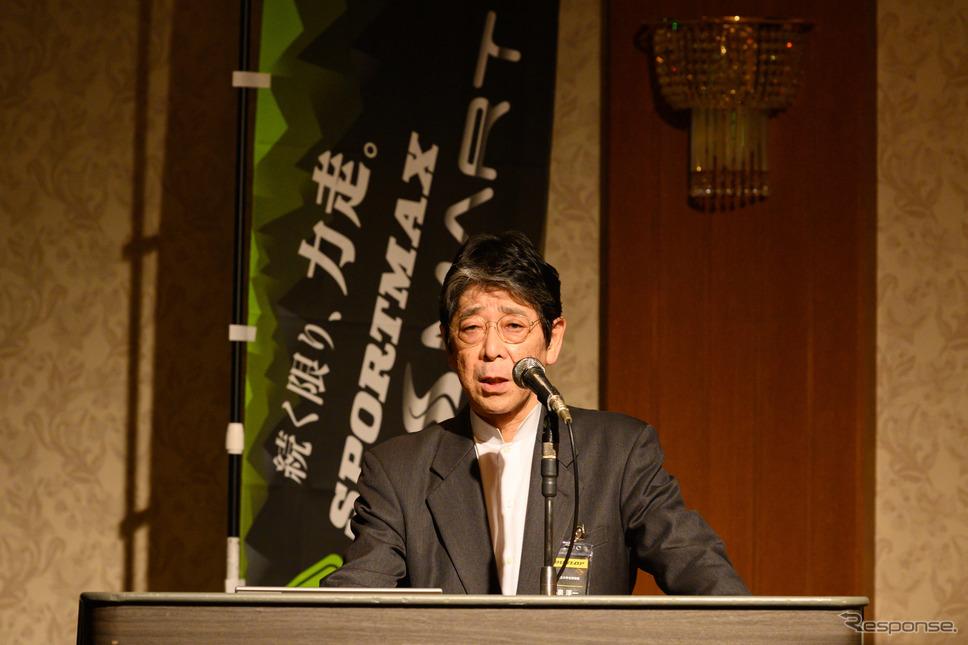 疲労測定の実験および解説を行った、横浜国立大学名誉教授 小泉 淳一氏《撮影 土屋勇人》
