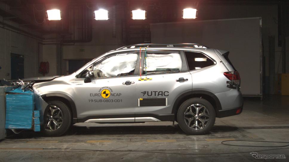 スバル・フォレスター 新型の前面オフセットクラッシュテスト《photo by Euro NCAP》