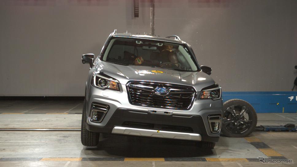 スバル・フォレスター 新型の側面クラッシュテスト《photo by Euro NCAP》