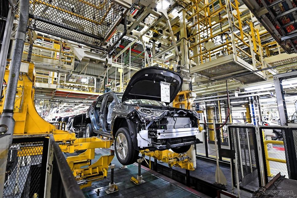 米国ケンタッキー州のTMMKで生産が開始されたトヨタ RAV4 ハイブリッド 新型《photo by Toyota》