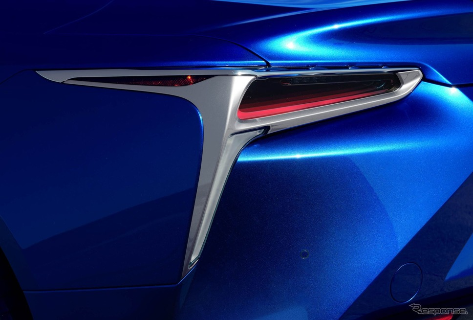 レクサスLC500コンバーチブルの量産第一号車をカスタマイズしたモデル《photo by Lexus》
